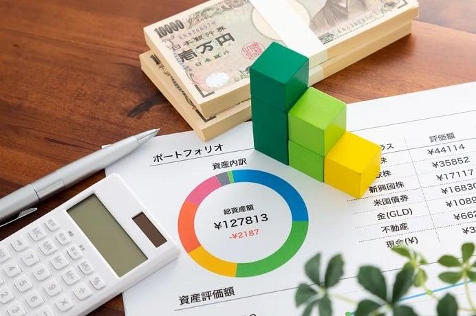 グラフ&電卓&お金イメージ